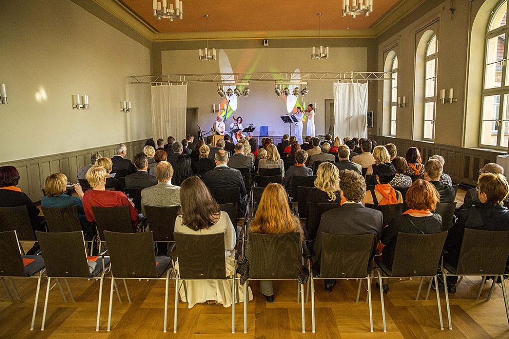 senger-kaptain-zeitz-projekt-franziskanerkloster-aula-mehrzwecksaal-3